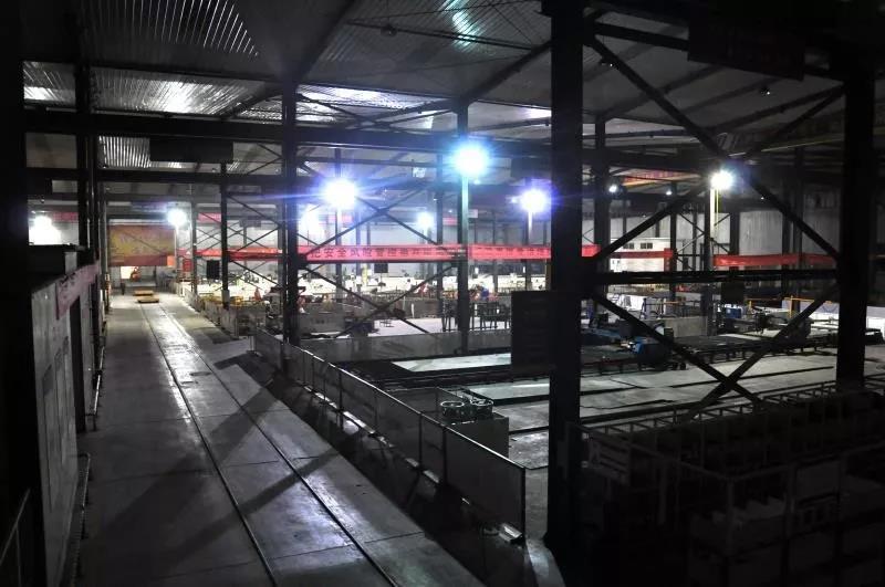 施工电梯 施工升降机 物料提升机 九虹重工生产车间